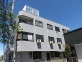 外観タイル貼り、鉄骨造3階建てマンション!
